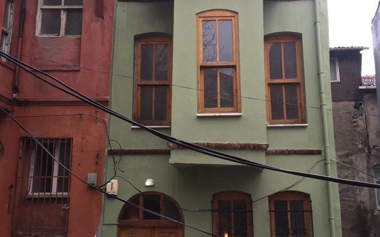 Traditional old house for sale in Istanbul Fatih